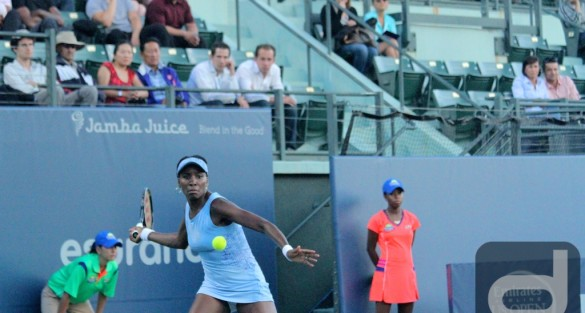 2014 #BOTWC Day 2: Venus Williams Glides Past Kania 6-3, 6-2