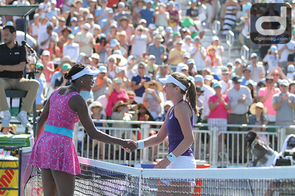Johanna Konta and Venus Williams shake hands following Konta's 2016 Bank of The West Championship win