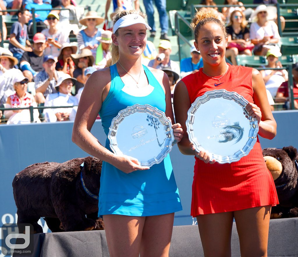 Singles Runner-Up Coco Vandeweghe and Singles Champion Madison Keys showing off their 2017 Bank of the West Classic Trophies
